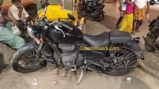 2020 Royal Enfield Thunderbird spy shot