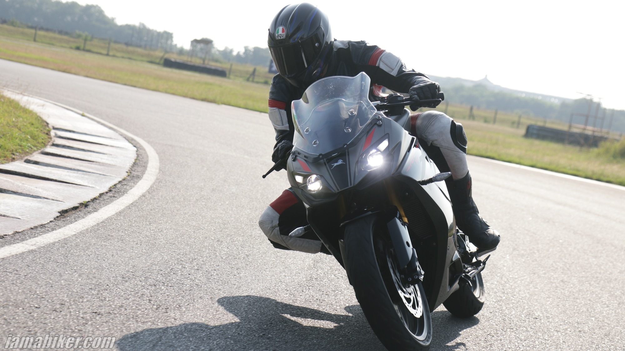 2020 BS6 TVS Apache RR 310 first ride review
