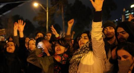 قادمون إلى الشوارع.. دعوات لاستمرار المظاهرات في إيران