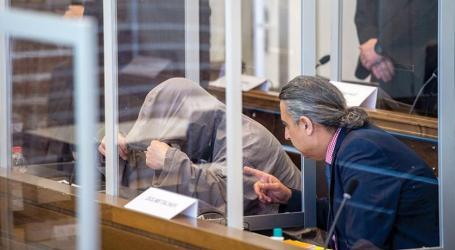 حفار قبور يدلي بشهادته حول جثث المعتقلين خلال محاكمة أنور رسلان