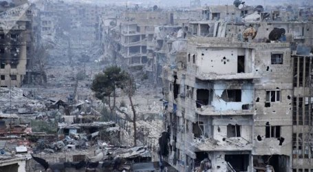 مهجرو مخيم اليرموك خارج مراكز الإيواء بعد طرد قوات السلطة لهم