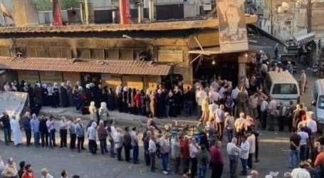 """السلطة السورية تضاعف سعر """"لقمة العيش"""" والمعتمدون يبيعون الخبز بأسعار أعلى"""