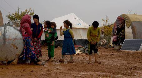 العيش في الخيمة قدر مئات آلاف السوريين الفارين من إجرام السلطة السورية