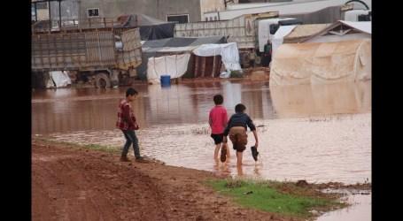 ضحايا أطفال نتيجة الأمطار الغزيرة شمال غربي سوريا وتضرر 200 مخيم