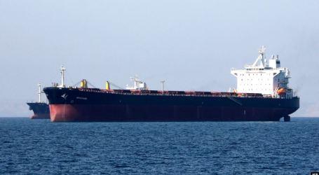 ناقلة نفط إيرانية على متنها مليون برميل في طريقها إلى سوريا