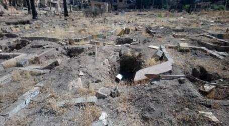 """روسيا تكرّم """"نبّاش القبور"""" في قوات السلطة السورية"""
