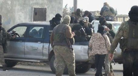 عناصر تحرير الشام يعتدون على امرأة مسنة في إدلب ويكسرون أسنانها (فيديو)