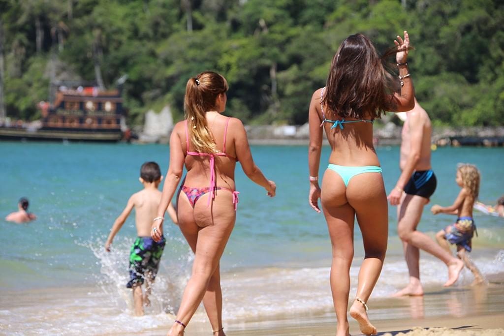 Playa-Laranjeiras-Brazil06