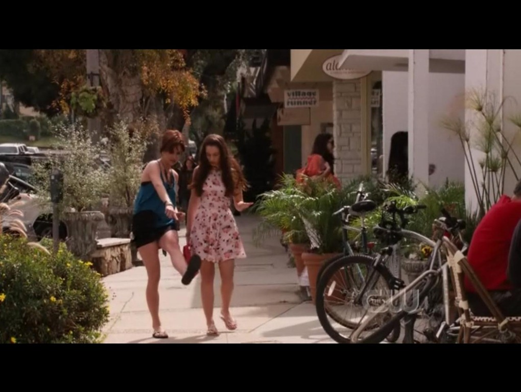 The Yellow Vase Caf From 90210 Iamnotastalker