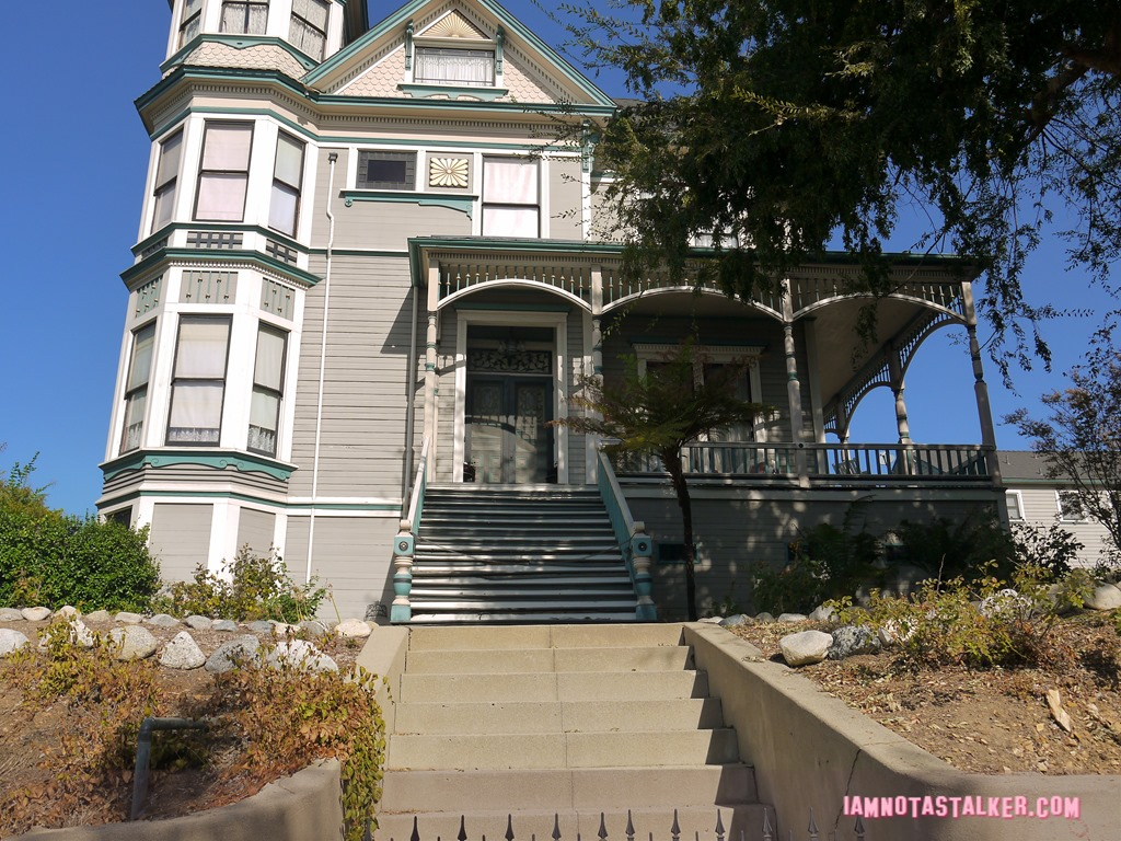 Swell The Smith Estate From Insidious Chapter 2 Iamnotastalker Home Interior And Landscaping Mentranervesignezvosmurscom