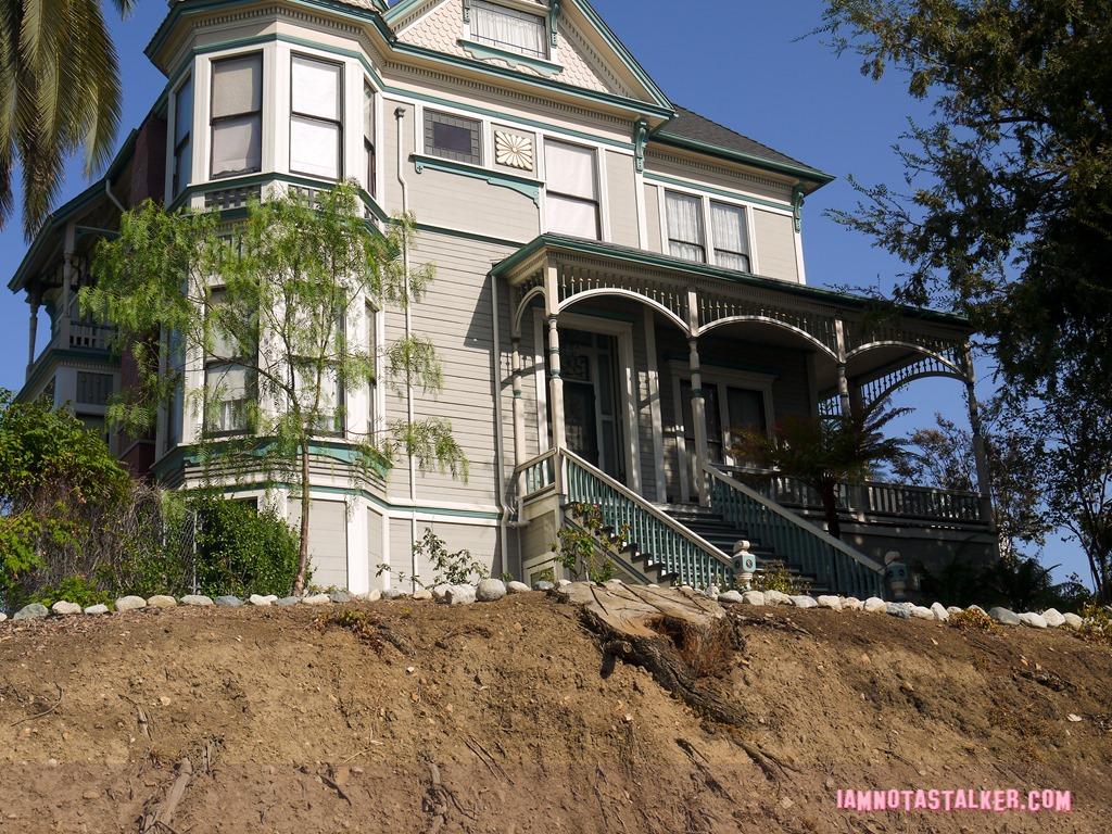 Fine The Smith Estate From Insidious Chapter 2 Iamnotastalker Home Interior And Landscaping Mentranervesignezvosmurscom