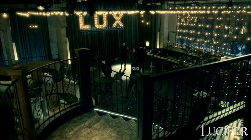 в luxe ночной клуб