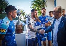 Cruzeiro homenajeó a Argentina