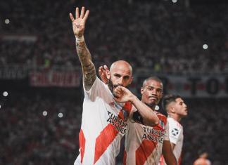 Javier Pinola celebró el triunfo de River