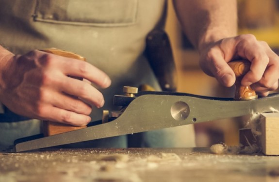 Riding the Artisanal Movement: 5 Reasons Why You Should Buy Handmade Goods
