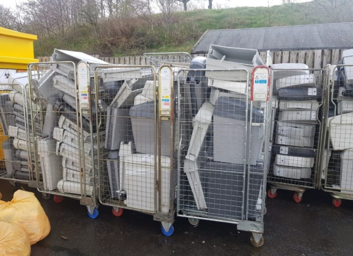 Scots hospitals risk cross-contamination transporting clinical waste in same trolleys as sterile equipment