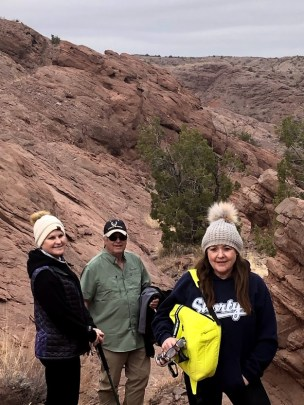 Hiking and rock hounding around Albuquerque while looking for Petrified wood