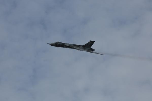 Vulcan-over-Farnborough-2