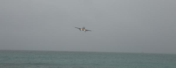 St-Marteen-maho-beach-dodgy-landing-mar-16