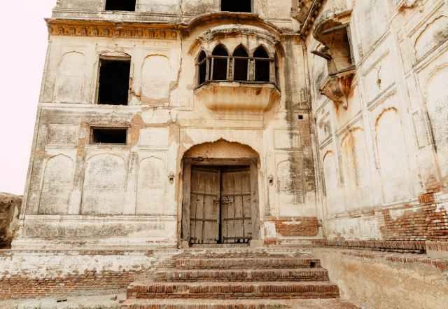 beige concrete abandoned building