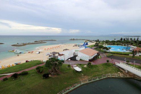 ビーチやプールなど充実の施設