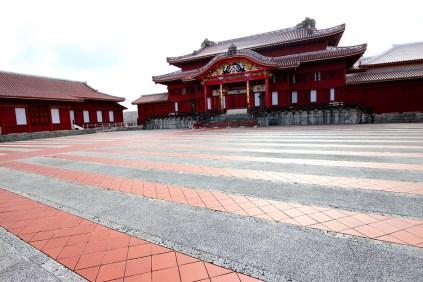 正殿前の広場は御庭(うなー)といって、さまざまな儀式が執り行われました