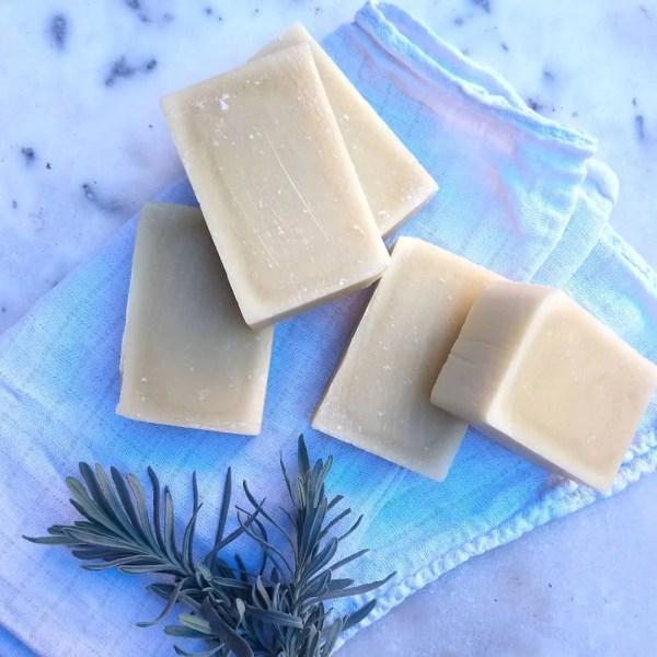 savon à l'huile de prune ibbeo