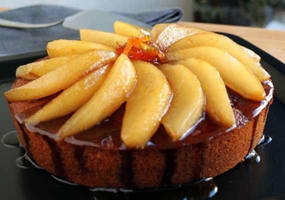 Fresh-Ginger-Cake-with-pears-e1340293990274