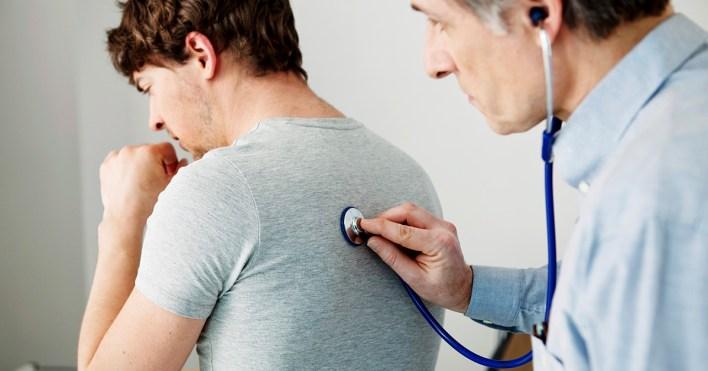 ماذا يعني السعال الجاف المصحوب بألم في الصدر - السعال بأنه منعكس طبيعي يساعد على تنظيف المجرى التنفسي - العوامل المهيجة للمجرى التنفسي