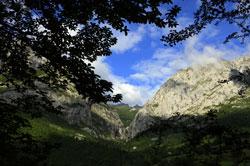 Jacuzzi en las montañas. Casa rural asturias