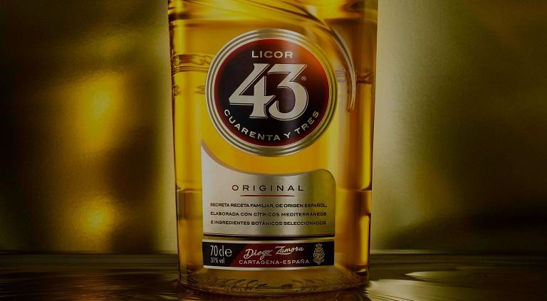 Receptje - Heerlijk borrelen met de Ibiza 43 cocktail