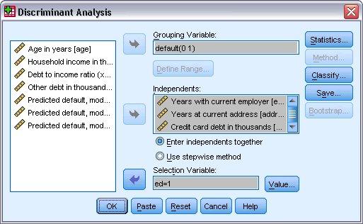 """مربع حوار التحليل التمييزي مع تحديد """"افتراضي"""" كمتغير تجميع و""""ed = 1"""" كمتغير التحديد"""