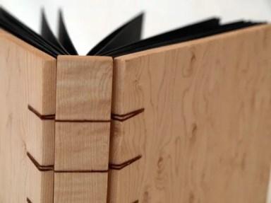 Simple Signature Wood Binding Example