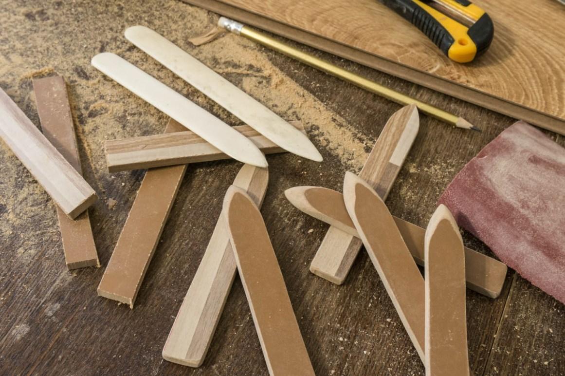 2015.01.24 - 06 - Bookbinding Folders Made of Laminate Flooring Boards and the Classic Bonefolders