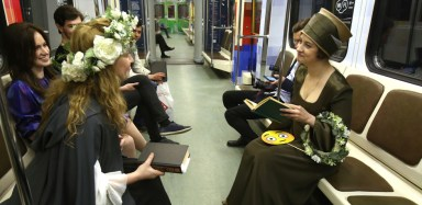 2016.05.24 - 03 - Shakespeare-Themed Train Launched in Moscow Undergorund