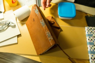 2016-10-16-coptic-bookbinding-franch-stitch-binding-and-langstitch-binding-workshop-11