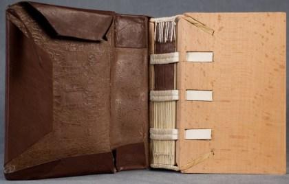 2016-10-21-medieval-bookbinding-tutorials-carolingian-romanesque-and-gothic-binding-03