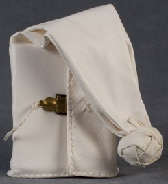 2016-10-21-medieval-bookbinding-tutorials-girdle-books-01