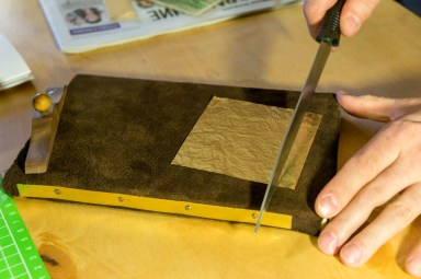 2016-12-20-gold-tooling-class-123-cutting-gold-leaf