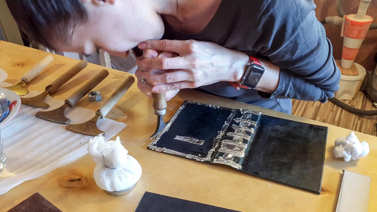 2017.03.28 - Gold Tooling Workshop - Bookbinding 21