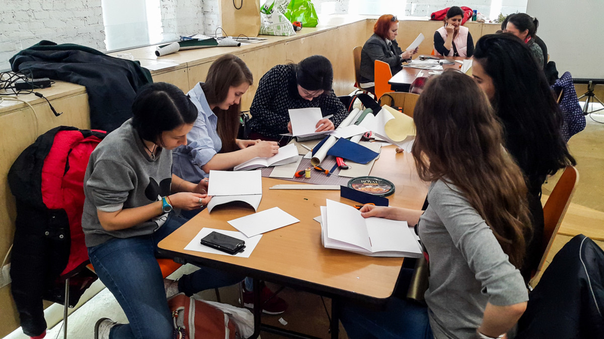 2017.04.09 - Long Stitch Binding Workshop at Shalom Moscow 04