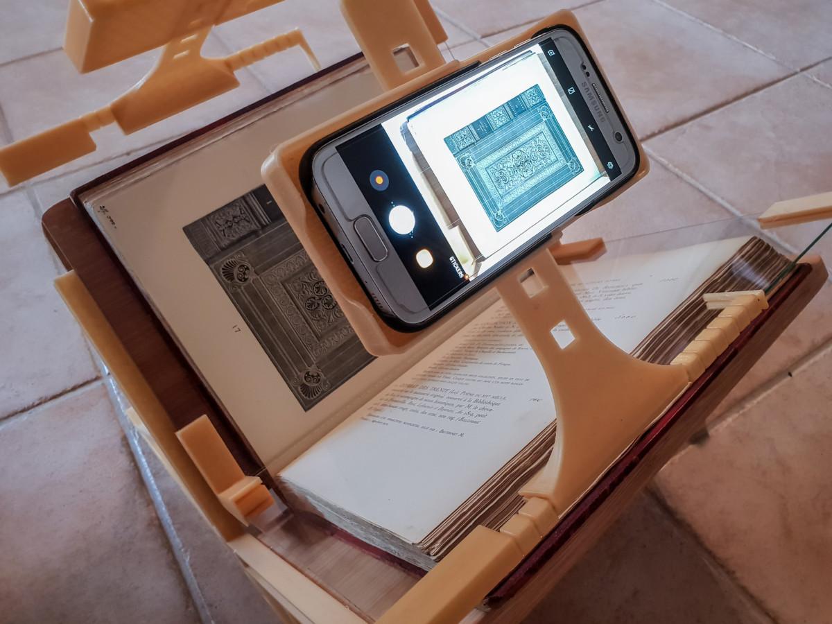 3d Printed Book Scanning Frame For Smartphones
