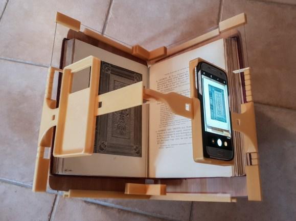 2018.09.26 - 3d-Printed Book-Scanning Frame for Smartphones 04