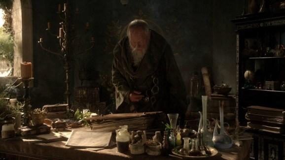 GoT S01E04 00.21.31 - Maester's books