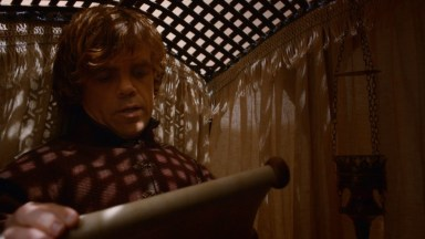 GoT S02E05 00.09.58 - Tyrion and a scroll