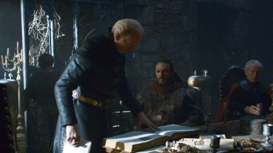 GoT S02E06 00.13.25 - Tywin Lannister' war council at Harrenhal