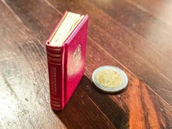 2019.09.06 - Soviet Miniature book with Pushkin's Poetry 01