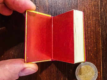 2019.09.06 - Soviet Miniature book with Pushkin's Poetry 02