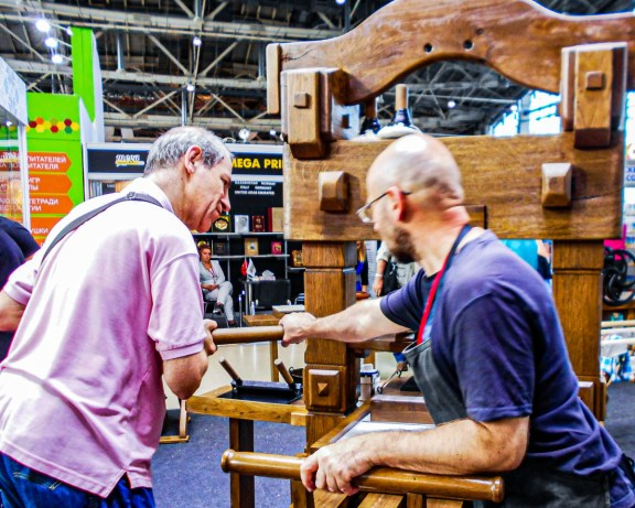 2019.09.12 - Live Printing Experience – Skaryna Bible at Moscow International Book Fair 05