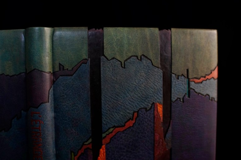 2019.10.07 - Inspiring Bookbinding Projects of September - Albert Camus - L'Etranger by Huhu Hu 04